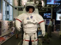 宇宙飛行士もも