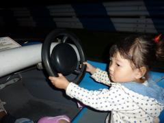 もも運転する